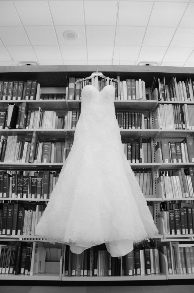 wedding dress,